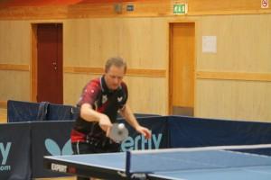 Espen Løland åpnet med to singel og en dobbel seier mot Heros 3 i 3.divisjon