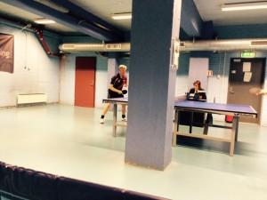 Pip, pip, hvor er du Peter? Søylen ved bord 2 i Fokushallen er enstående i bordtennis sporten uansett land..