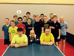 Her er mange av spillerne som vil delta på Stiga NC i Bergen i fra Hordaland. Bildet er fra en vellykket regionsamling i november 2015. Trenerne Christian, Janne og Roger er i første linje.