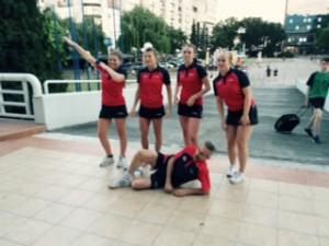 Strålende fornøyd Dame junior lag etter at neste års A-gruppe i EM var sikret!